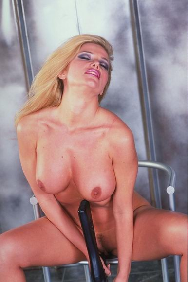 stolen pictures of lindsay lohan naked